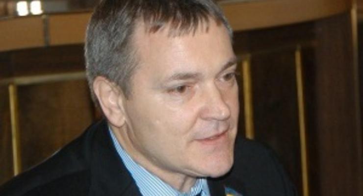 НГ: Русский хотят приравнять к украинскому
