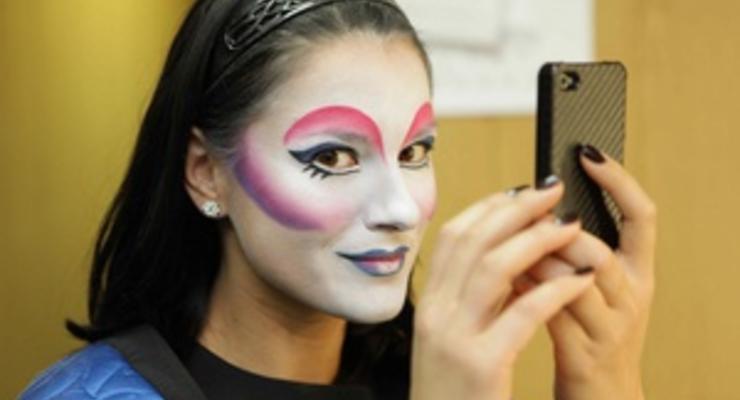 Маша Ефросинина попробовала себя в роли артистки Cirque du Soleil