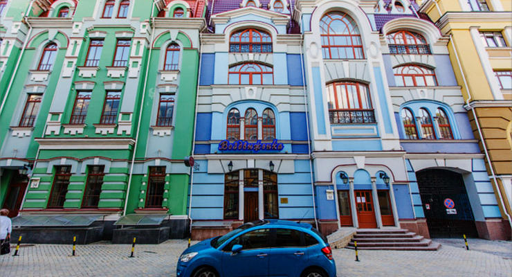 """Киев удивляет мир: британцы назвали Воздвиженку """"городом-призраком олигархов"""" (ФОТО)"""