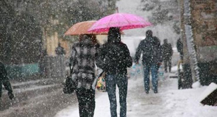 Завтра в Украине ожидается снег с метелями