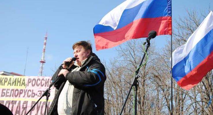 "В Луганске на митинге избрали ""народного губернатора"""