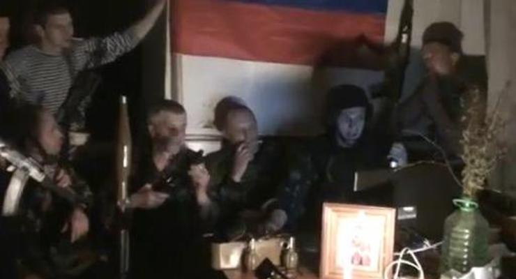 Улыбки натянем от уха до уха. Луганские сепаратисты записали рэп