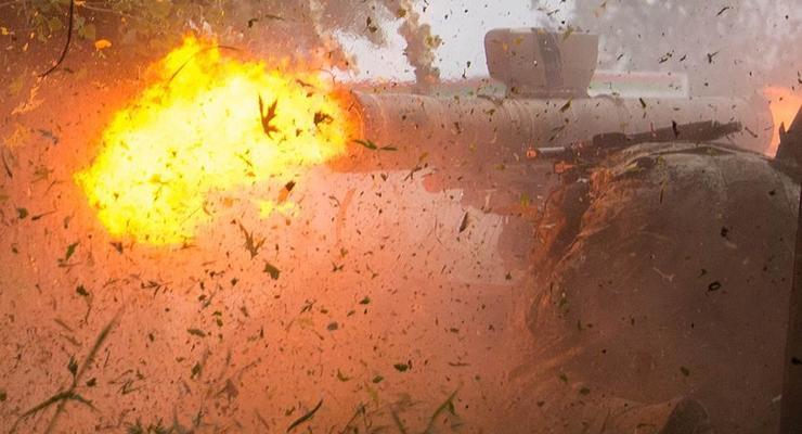 В Славянске прогремели взрывы, идет перестрелка – соцсети