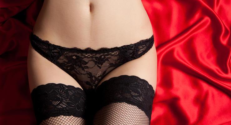 Запрет на кружевное белье: почему российских женщин лишили трусов