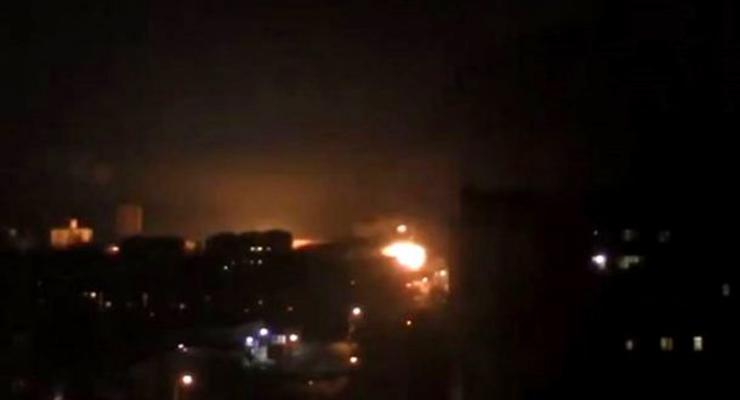 Ночью обстреляли восточную часть Луганска, есть погибшие - СМИ