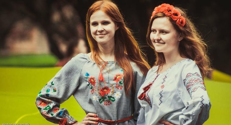 Украинцы не хотят делать русский язык вторым официальным - опрос