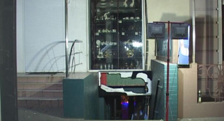 В Одессе в центре города произошел взрыв: пострадал охранник бара