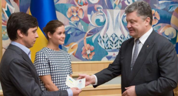 Порошенко предоставил украинское гражданство Гайдар и Федорину