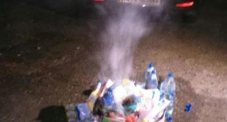 На границе Крыма сжигают контрабандную колбасу
