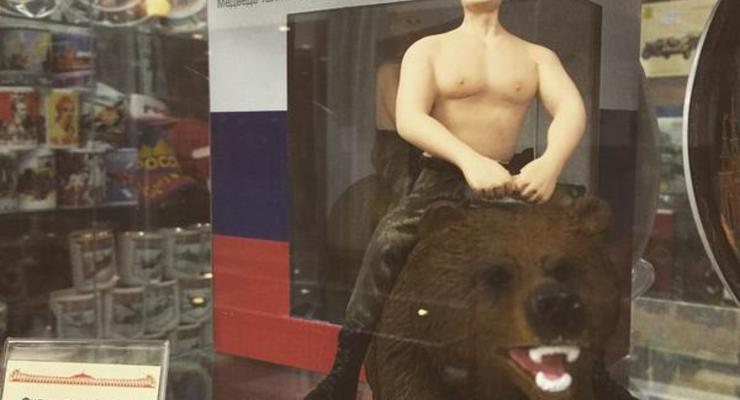В России продают статуэтки Путина с голым торсом