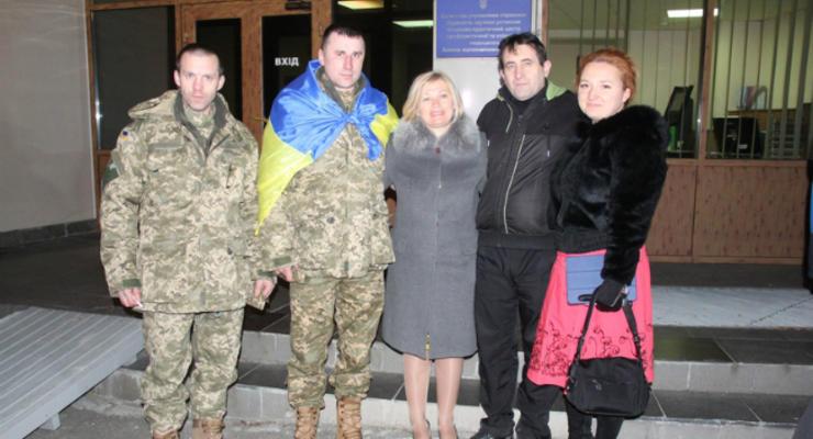 Обнародованы подробности освобождения трех украинских заложников