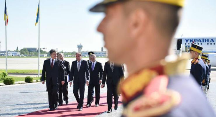 Порошенко прибыл с визитом в Румынию