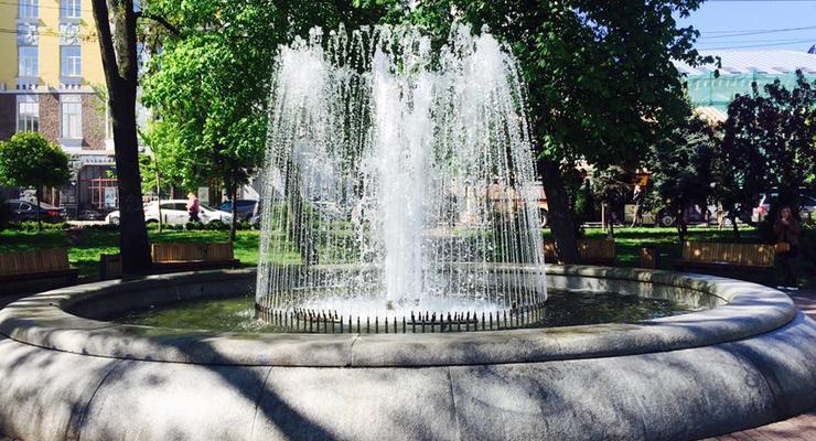 В Киеве заработал первый в этом сезоне фонтан