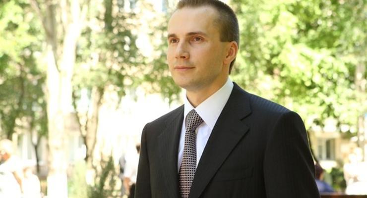 Сыну Януковича сообщили о подозрении в завладении Межигорьем