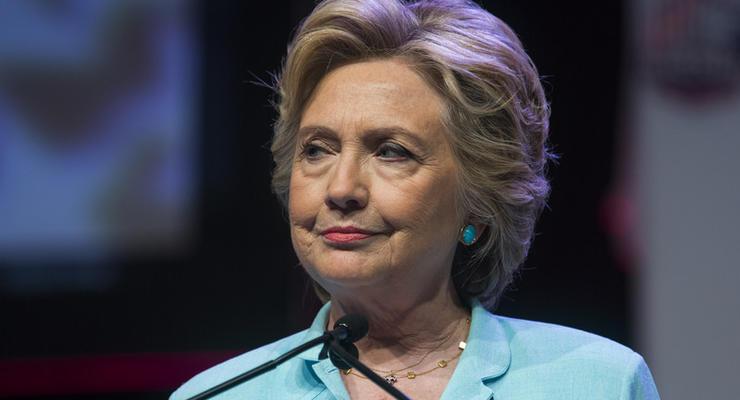 Клинтон: После поражения я хотела свернуться в клубок
