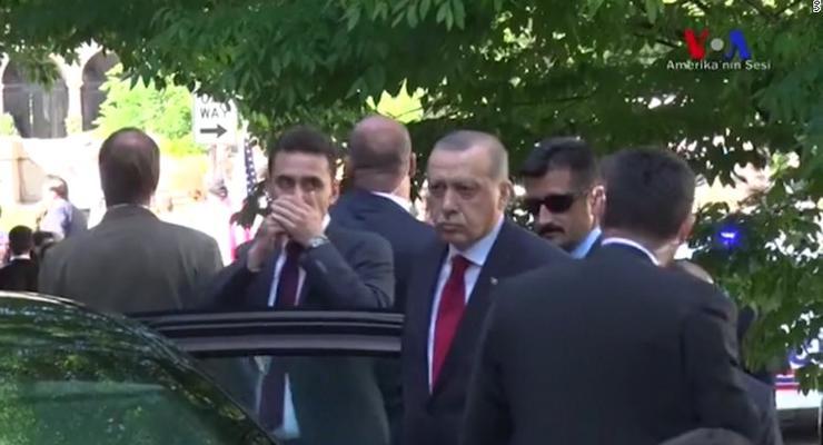 Эрдоган видел, как его охранники избивают активистов в США