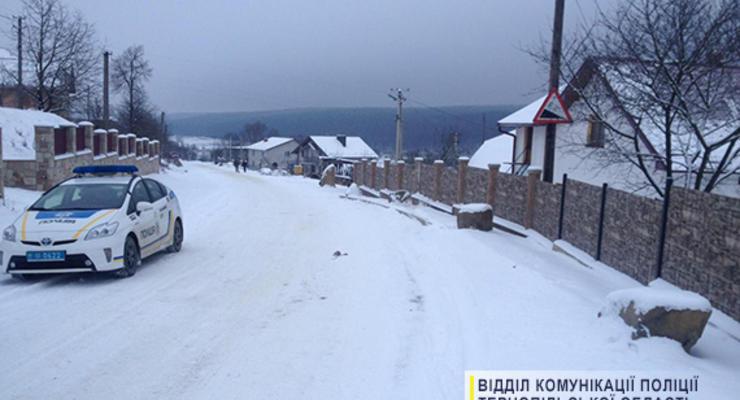 В Тернопольской области девушка погибла при катании на санках за авто