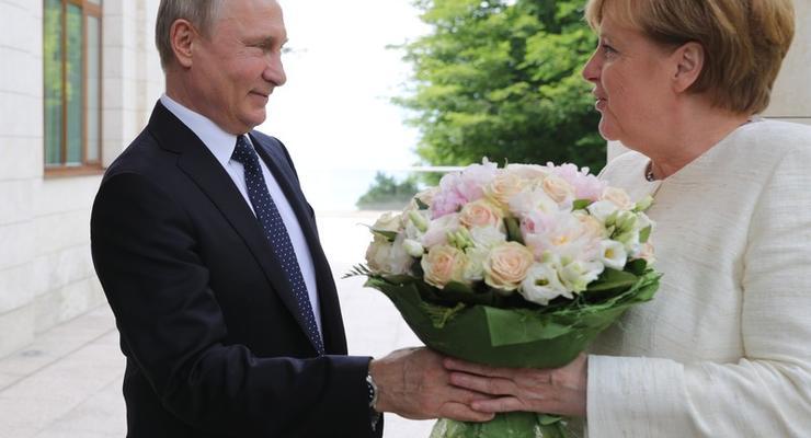 Меркель в Сочи встретилась с Путиным