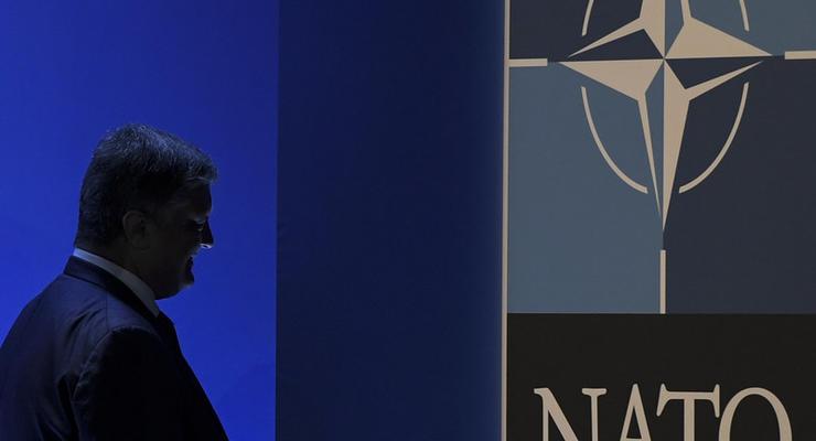 Украина собирается достичь стандартов НАТО за два года - Порошенко