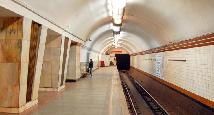 В Киеве в час пик на две недели закроют на вход станцию метро