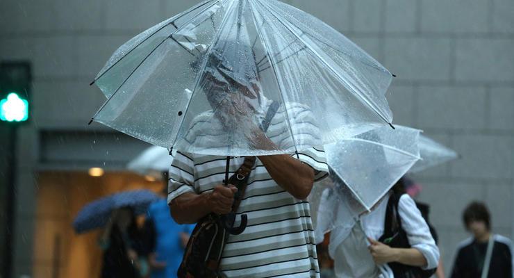 В Японии отменили почти 200 авиарейсов из-за тайфуна