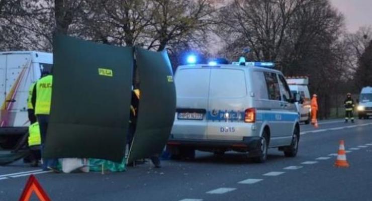 В Польше грузовик сбил украинца