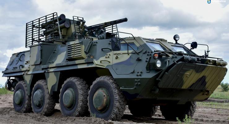 Армия получила первые БТР-4 с новой украинской броней