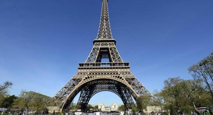 Часть Эйфелевой башни продадут на аукционе