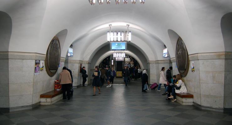 В Киеве закрыли в час пик на вход станцию метро Вокзальная