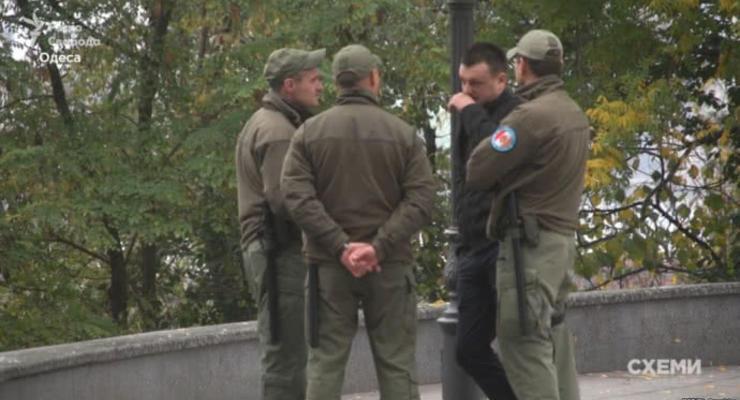"""Мэры городов нелегально используют """"частные армии"""" для защиты от активистов - СМИ"""
