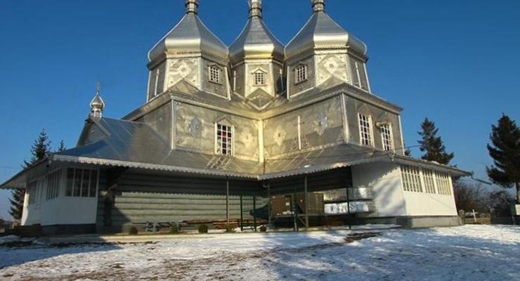 В Прикарпатье сгорел храм Архистратига Михаила