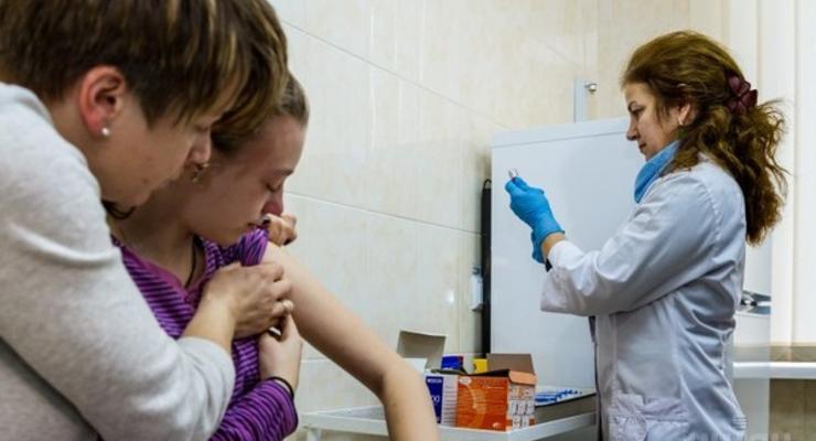 В поликлиниках упразднили кабинеты прививок