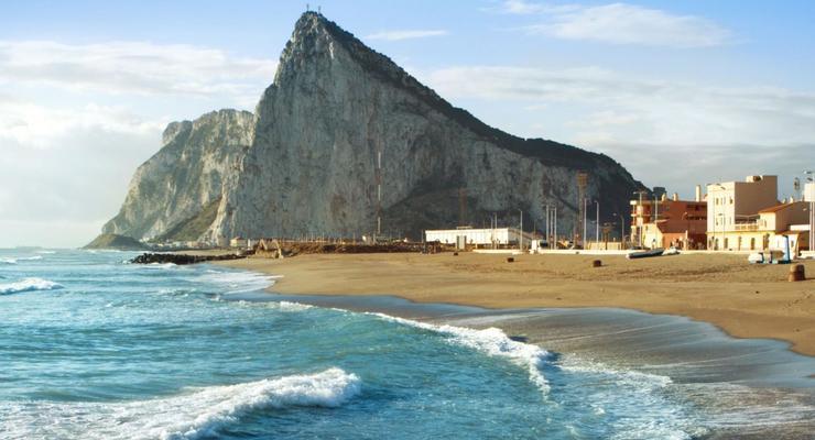 """Лондон возмутился термином """"колония"""" который ЕС употребил для Гибралтара"""