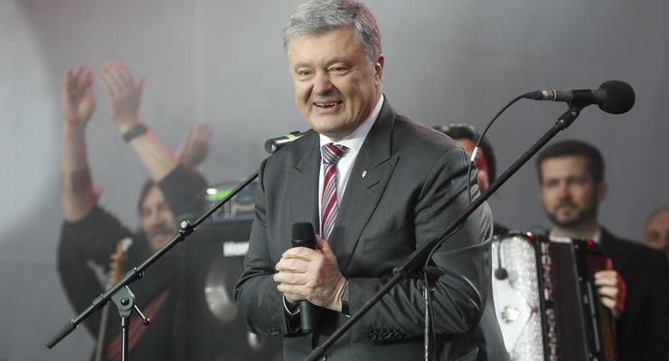 """У Порошенко объяснили, зачем """"автомат-президент"""" звонит украинцам"""