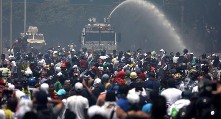 США готовы применить армию в Венесуэле