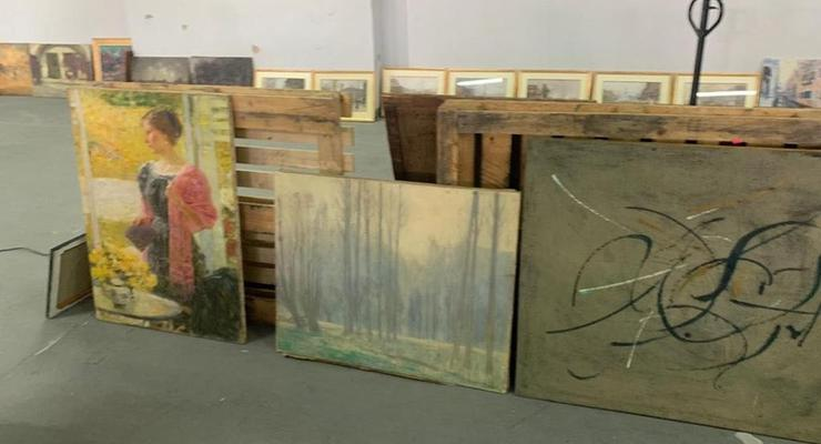 Почти 100 картин XIX века обнаружили на таможне в Киеве
