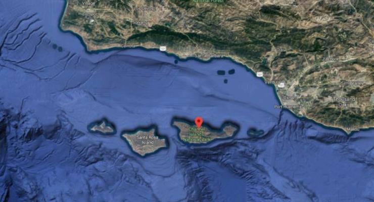 У берегов США загорелся корабль: более 30 погибших