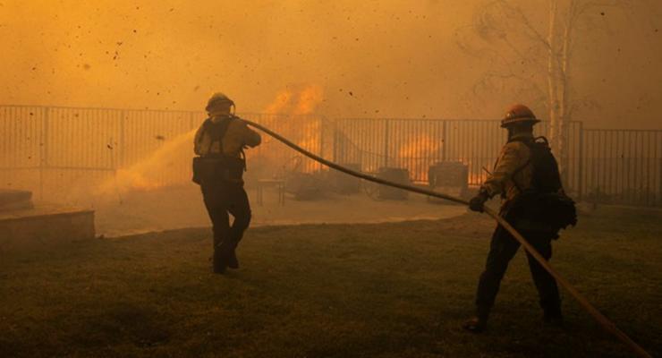 Три человека стали жертвами пожаров в Калифорнии