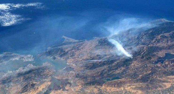 Пожар в Калифорнии сняли из космоса