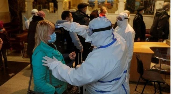 В Украине уже почти 900 случаев коронавируса