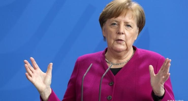 Меркель выступила за продление санкций против РФ