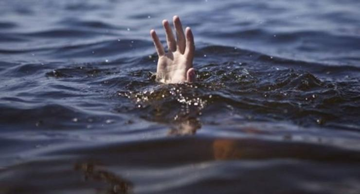 Лодка оказалась дырявой: под Харьковом в реке утонул 9-летний мальчик