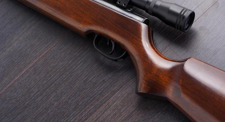 В Винницкой области 10-летний ребенок выстрелом ранил девочку