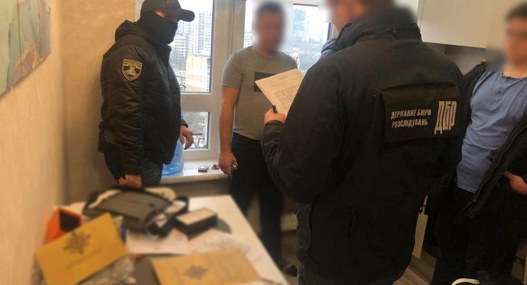 """В Одессе полицейские """"кинули"""" предпринимателей на 20 тысяч евро"""