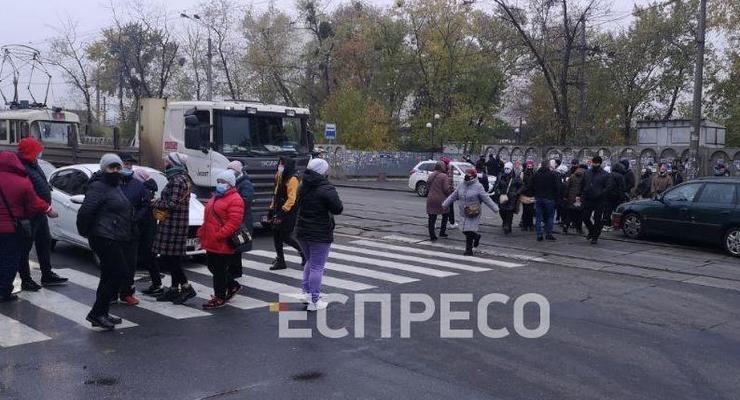 В Киеве перекрыли улицу из-за карантина выходного дня