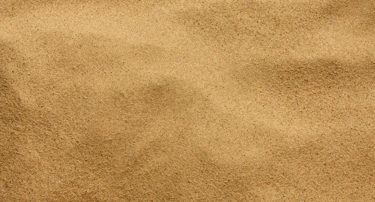 Дорогу в РФ посыпали песком с костями