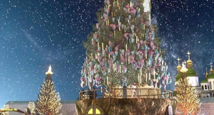 Главную елку Украины начали наряжать: Фото первой игрушки