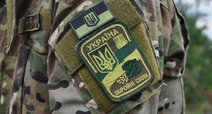 На Донбассе ранен украинский военный