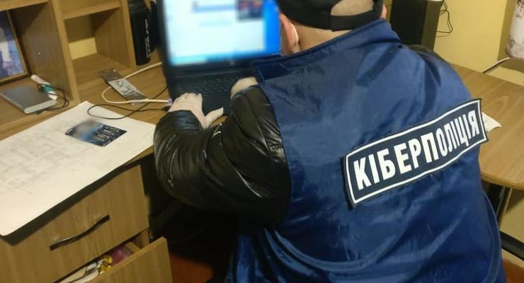 За неделю закрыли 100 украинских сайтов, продававших наркотики