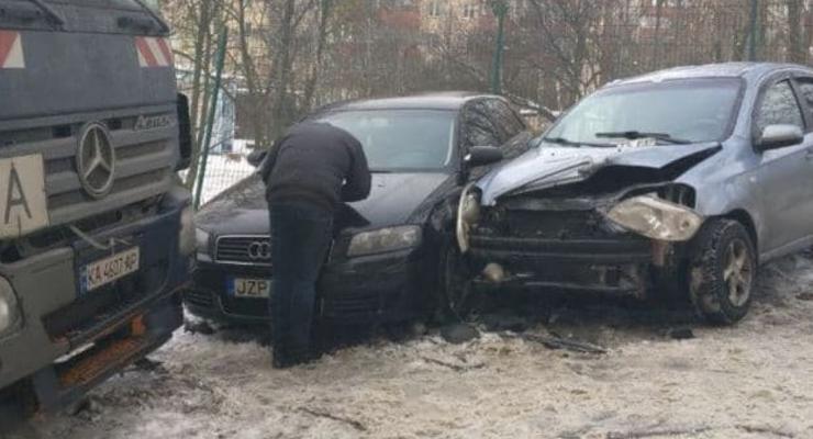 Протаранил 9 машин: В Киеве мусоровоз устроил масштабное ДТП